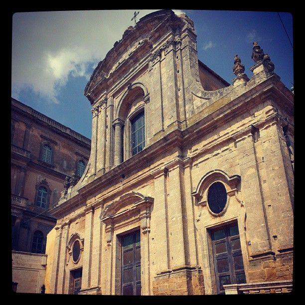 Foto in giro per #caltagirone - leggi anche http://www.vacanzesiciliane.net/vacanze-in-sicilia-cosa-visitare-a-caltagirone-lug013/