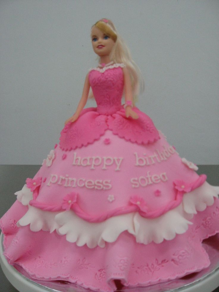 Barbie Cake Design Goldilocks : 1934 best images about Doll Cakes on Pinterest Barbie ...