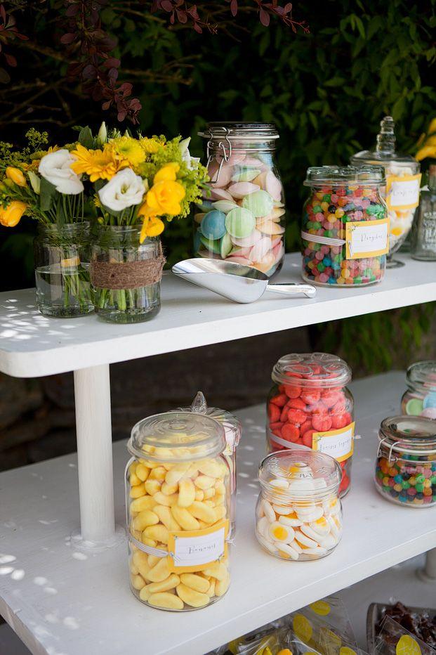 25 best ideas about bar a bonbon on pinterest le buffet de bonbon du mariage candy bar baby. Black Bedroom Furniture Sets. Home Design Ideas
