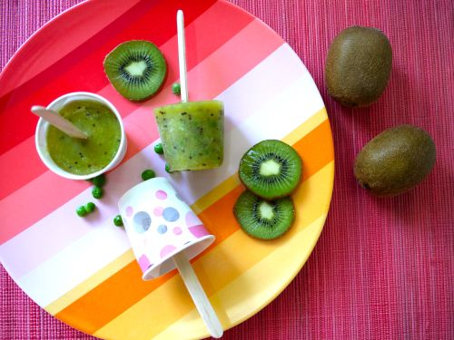 Pea Wee Kiwi Popsicles are easy to make and kids love them! A fun, healthy ice pop recipe and a great ways for kids to eat their green vegetables!