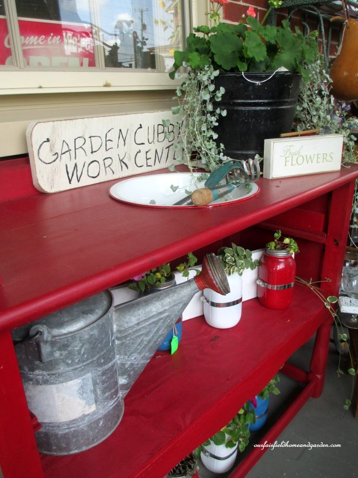 Make a Potting Bench From A Dresser! (and other ideas gathered in Lancaster County, PA) http://ourfairfieldhomeandgarden.com/field-trip-potting-bench-from-a-dresser-and-other-ideas-gathered-in-lancaster-county-pa/