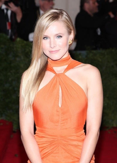 Kristen Bell wears her hair in a simply straight hairstyle. Photo courtesy WENN