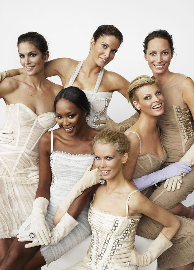 """Naomi Campbell, Stephanie Seymour, Cindy Crawford, Linda Evangelista, Claudia Schiffer andChristy Turlington - """"The Return of Supermodels"""", photographed by Mario Testino, 2008."""