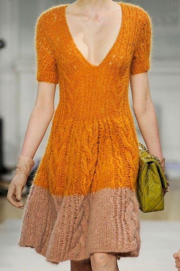 Orange-Braunes Strickkleid, kuschelig, warm und tailliert! <3 | Stylefeed