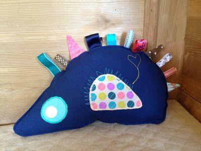 Husbestyrerinden: Pindsvin for pilfingre! (sew, hedgehogs)