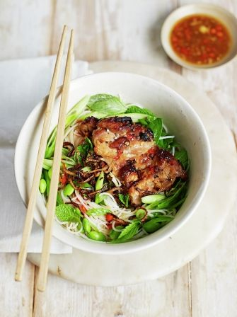 Chicken & spring green bun cha