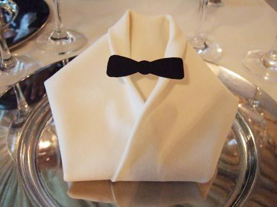 Right up there with the right way to set the table is fancy napkin folding.   # Pin++ for Pinterest #