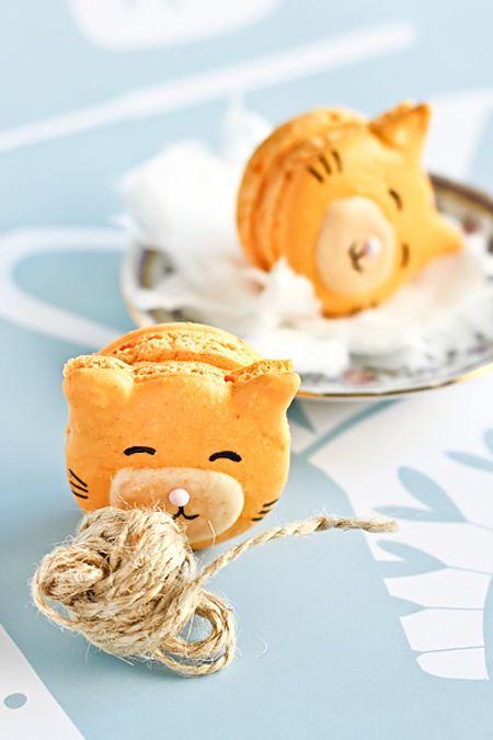 Cat Macarons    Translated Page: http://translate.google.com/translate?sl=auto=en=n=_t=en=UTF-8=2=1=http%3A%2F%2Fwww.pequerecetas.com%2Freceta%2Fmacarons-ninos-receta%2F=url