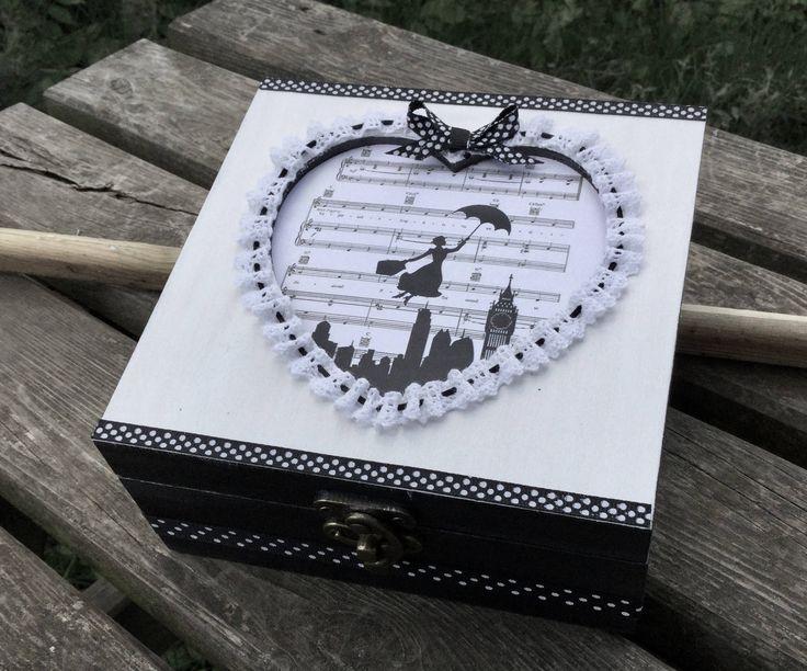 Boîte à bijoux ou  fourre tout découpe coeur décor Mary Poppins de la boutique Arcencielcreatif sur Etsy