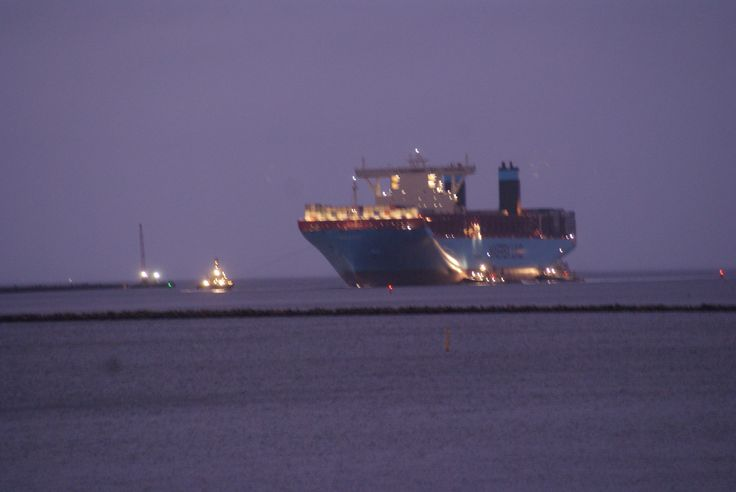 Majestic Maersk - one of the world's biggest container ships (tripple-E) entering the port of Copenhagen