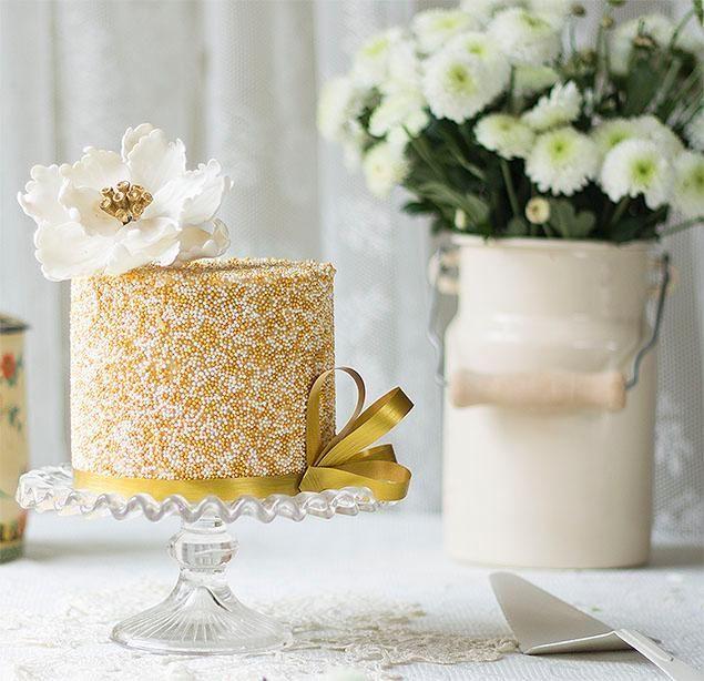 Cake Decorating Gold Sprinkles : Sprinkle Cake Cake & Cupcakes - Gold/Silver Pinterest ...