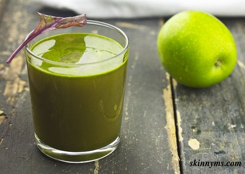 Lose weight with juicing and start with this Mean Green Juice.  Check out the clean ingredients from kale to cucumber!