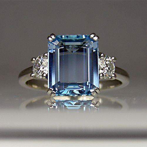 Aquamarine and diamond ring in platinum.