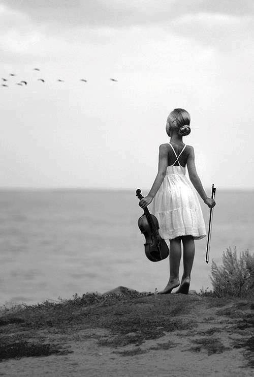 violin mar en blanco y negro #musical #kids