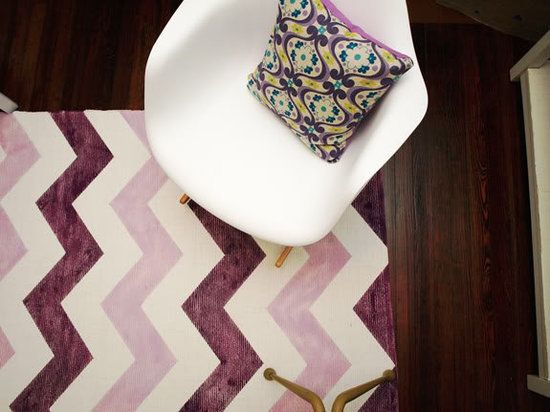 For just $36, this Chevron rug is totally your next DIY project to dress up your dorm!Little Green Notebook, Chevron Pattern, Diy Chevron, Home Decor, Diy Projects, Diy Rugs, Chevron Stripes, Homemade Rugs, Chevron Rugs