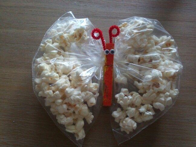 Tractatie José, vlinder gevuld met popcorn!!