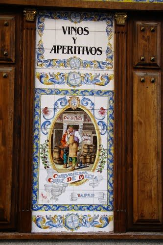 Top 25 ideas about azulejos de madrid on pinterest - Mural de azulejos ...