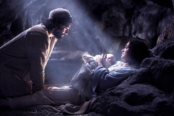 Nascimento de Jesus, segundo Maria Valtorta Belo texto de Maria Valtorta, mística italiana, atribuído a revelações privadas. Sem que queiramos tomar posição a respeito de sua autenticidade, apresen…