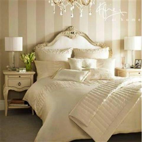 Quarto decorado no estilo off white e provençal ao mesmo tempo, e aí aprovaram…