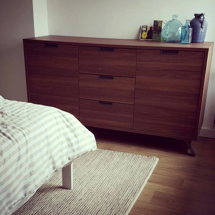 17 beste idee n over slaapkamer dressoirs op pinterest ladekasten grijze slaapkamers en - Kledingkast en dressoir ...