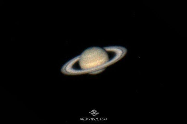 """Anche stasera i #Cieli più belli d'Italia stanno accogliendo tanti occhi desiderosi di scoprire il magico """"Signore degli anelli""""...#Saturno! Oggi ci dividiamo..qualcuno in #Abruzzo e qualcuno nella #Tolfa...sempre e comunque con il naso all'insù! - http://ift.tt/1HQJd81"""