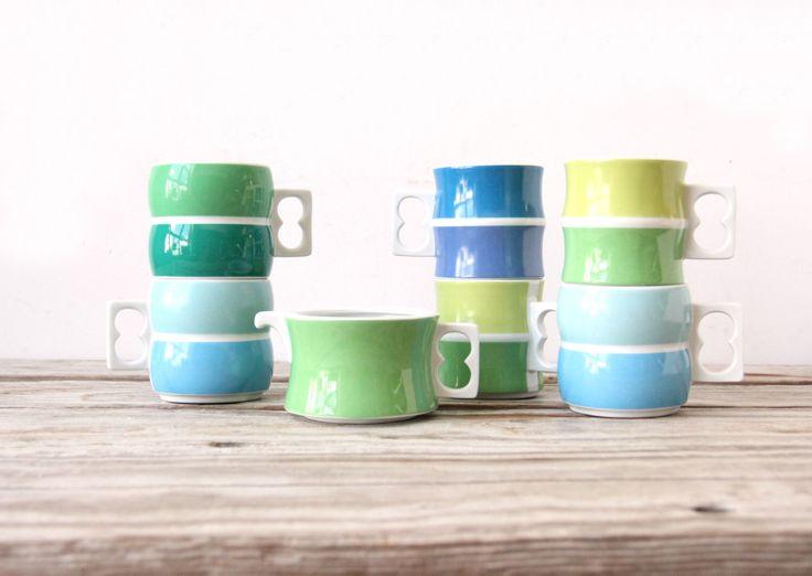 Block Chromatics Blue Green Mugs & Creamer, Set of 7 by GallivantingGirls on Etsy https://www.etsy.com/listing/198124348/block-chromatics-blue-green-mugs-creamer