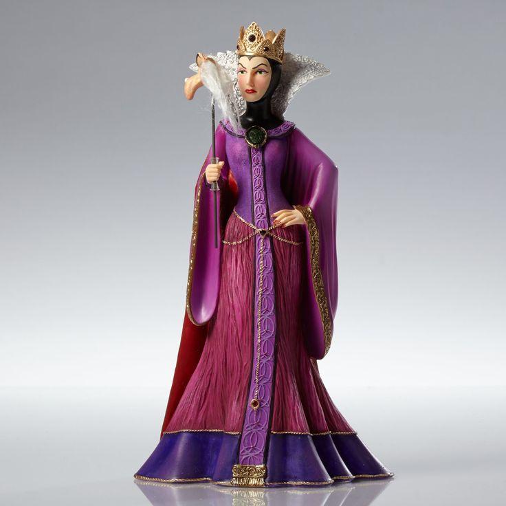 Snow White and the Seven Dwarfs - Evil Queen Masquerade - Walt Disney Showcase Collection - World-Wide-Art.com - #disney #disneyshowcase #figurines #masquerade #snowwhite #evilqueen
