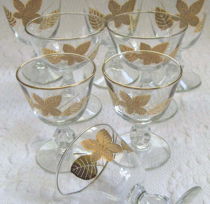 three leaf design barware . midcentury barware . gold and black leave glasses . lot of 8 . 8 midcentury glasses by vintagous on Etsy