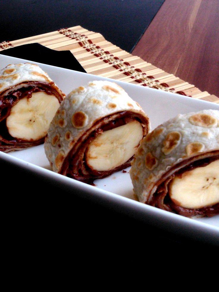 Palacsintás, nutellás, banános tekercs - Rolls with pancake, nutella and banana