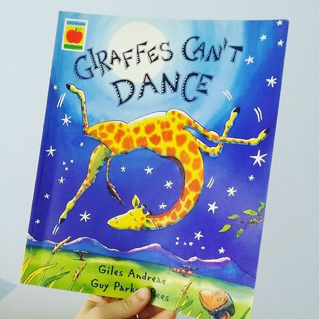 A lovely story about doing things your own way. Giraffes Can't Dance by Giles Andreae, illustrated by #Guy Parker-Rees. #picturebook #gilesandreae #guyparkerrees #bookskidslove #childrensbook #bedtime #giraffe #dancing #moveyourbody