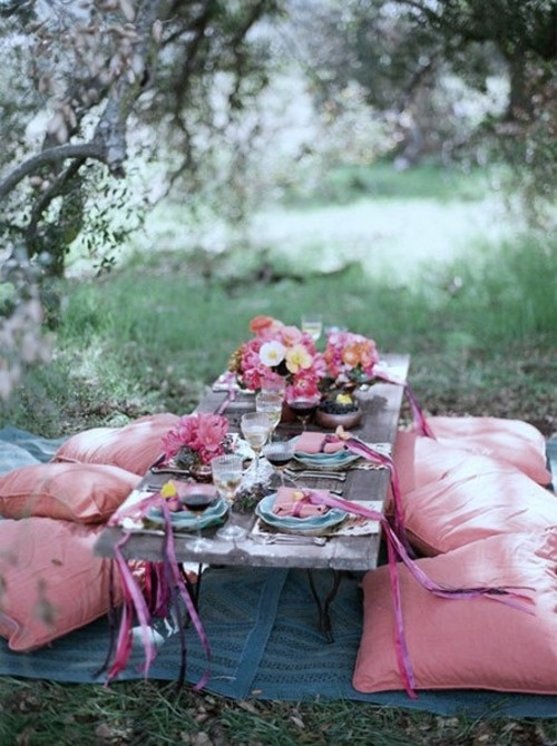 outdoor table - pretty in pink