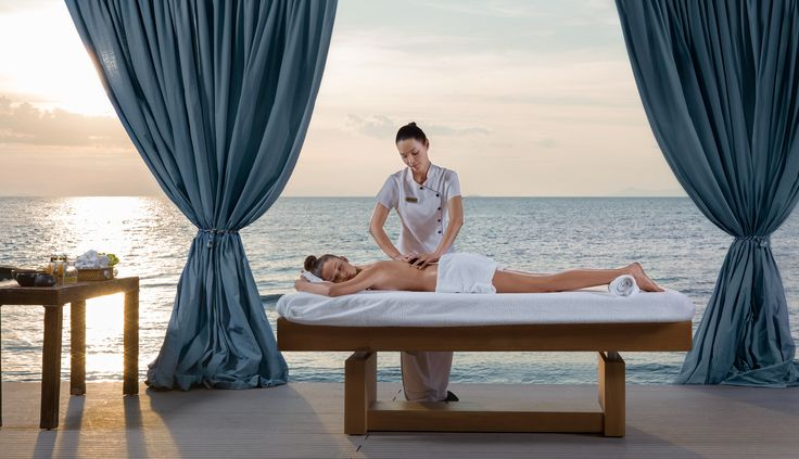A relaxing massage or a beauty retreat? We'll let you decide!  Choose the #DivineYou program that best suits your specifications and needs and immerse yourself in total relaxation at Divani Apollon Palace & Thalasso luxurious spa facilities.  #beauty #spa #wellbeing #retreat