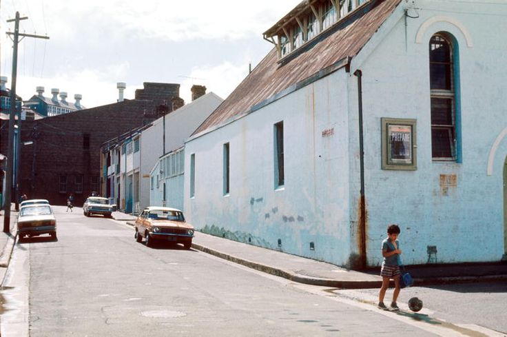 1977-1980 Harold Street, looking west towards Angel Street from the corner of Gowrie St. The Sydney City Mission hall is on the right. The Gartrell White bakery is at the end of the street, between Angel and King.