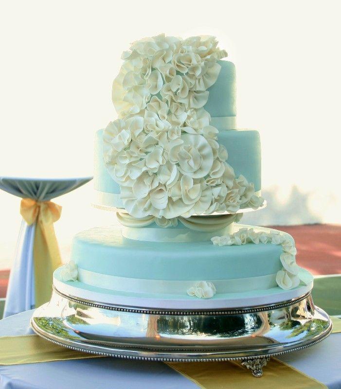 Beautiful teal cake.