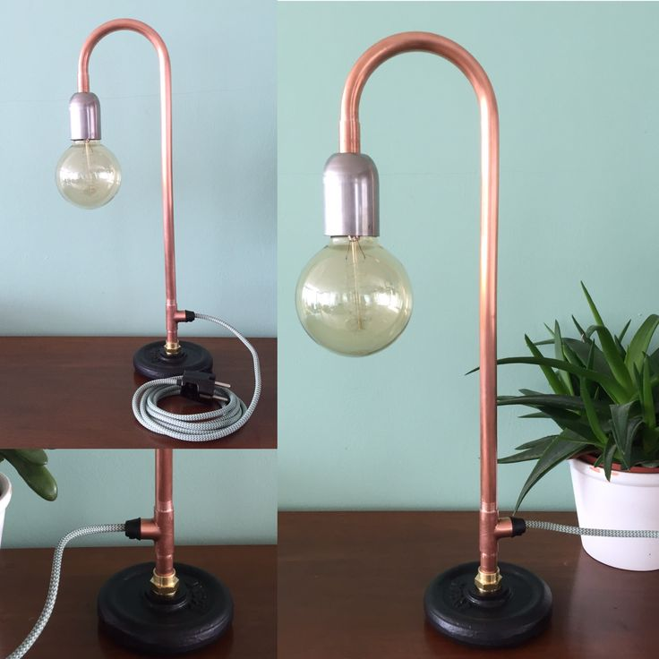 Koperen pijp tafel lamp met een dumbell als voet. Koperbuis koperenbuis lamp