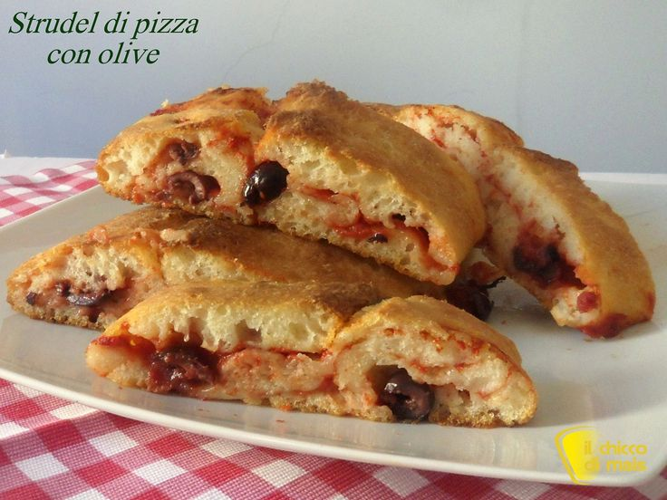 Strudel+di+pizza+con+olive+(ricetta+buffet)