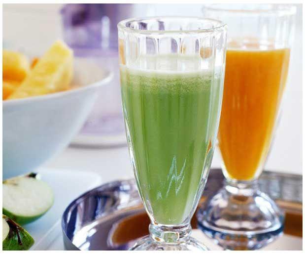 Dondurulmuş YoğurtGerekli malzemeler 1.5 ölçü kabı veya 500 gr süzme sert yoğurt (az ekşi veya tatlıca olması tercih sebebi) 3-4 çorba kaşığı meyve (çilek, böğürtlen, şeftali vb), donmuş da olabilir ama tazesi tercih sebebi 2-3 çorba kaşığı şeker veya yerine bal Yarım limonun suyu Yazının Devamı: Dondurulmuş Yoğurt | Bitkiblog.com Follow us: @bitkiblog on Twitter | Bitkiblog on Facebook