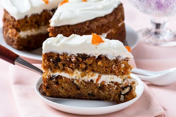 A new recipe of Carrot Cake featuring olive oil is waiting for you in our website. Surprise your beloved one with an amazing flavor for Valentine's Day. #recipe