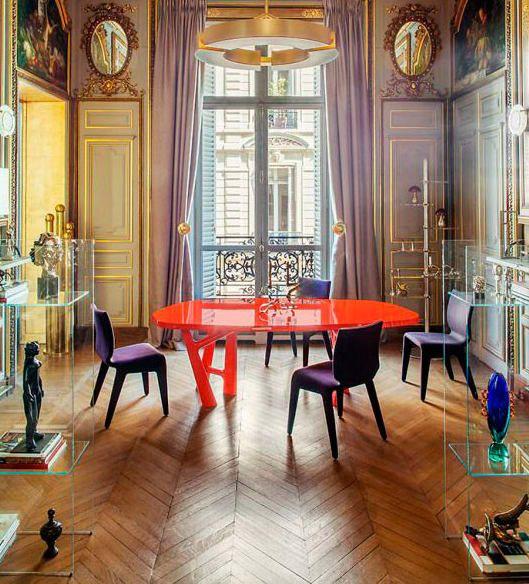 BAROQUE&ROLL  No existen realmente limitaciones con respecto al uso del color. La libertad de manejar colores fuertes combinados con diferentes texturas y materiales es una de las características del baroque&roll.