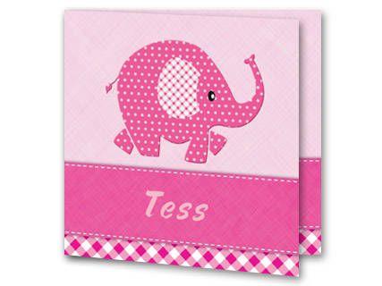 Een geboortekaartje voor een meisje met een abstracte roze olifant. De olifant is bedekt in witte stipjes en zijn oor is wit met roze ruitjes. Onder de olifant loopt een roze balk met witte stiksels. Daaronder loopt een balk met roze ruiten. Achter de olifant is de achtergrondkleur lichtroze. Aan de binnenkant is de achtergrond hetzelfde. Links onderin is het olifantje geplaatst.