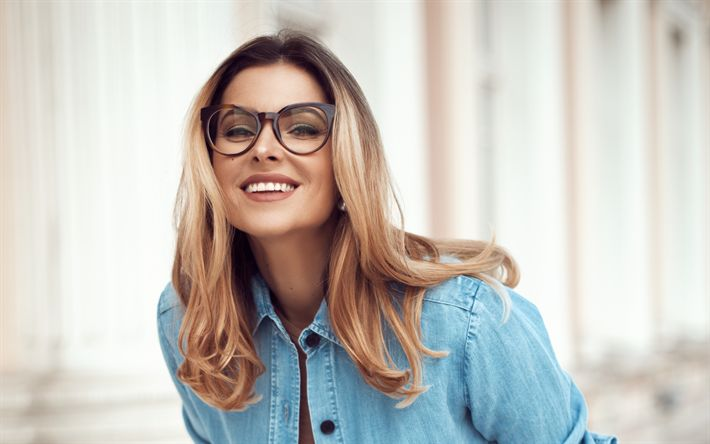 Download wallpapers Agne Jagelaviciute, beautiful woman, portrait, Lithuanian designer, woman in glasses, 4k