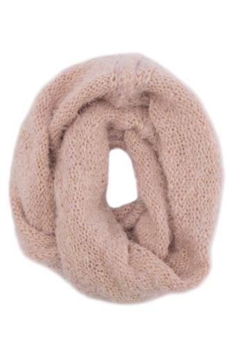 Soğuk kış günlerinde kullanabileceğiniz, şık DeFacto bayan trend atkı.