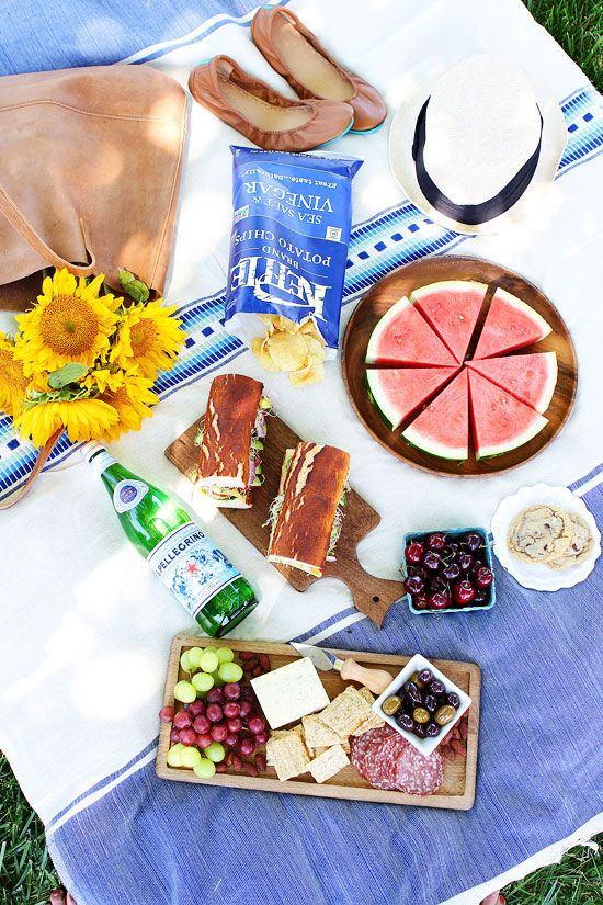 Summer Picnic Recipes and Tips on twopeasandtheirpod.com Tips and recipes to plan the perfect summer picnic!