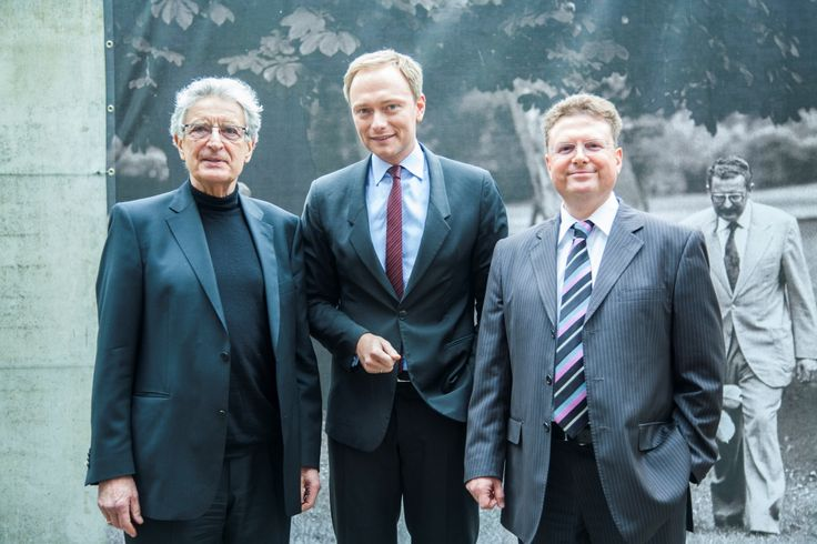 Gerhart Baum, Christian Lindner und Prof. Dr. Julius Reiter bei der Veranstaltung mit Christian Lindner in der Kanzlei baum Reiter & Collegen am 25.04.2012