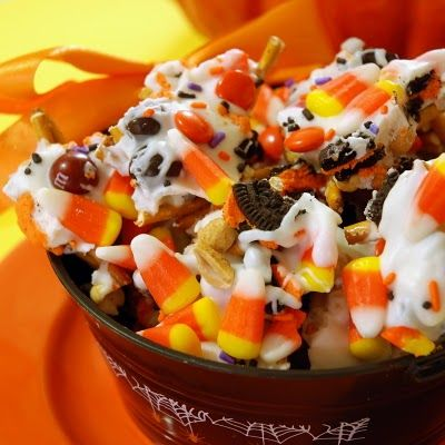 Candy Corn Crunch! I'll have to try this next Halloween.