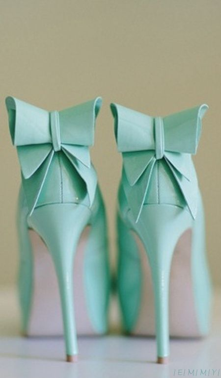 Emmy DE * Tiffany blue heels