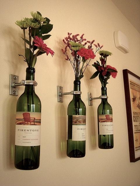 (=,Dining Room, Wall Decor, Bottle Vases, Cute Ideas, Empty Wine Bottle, Wine Bottles, Diy, Crafts, Winebottle