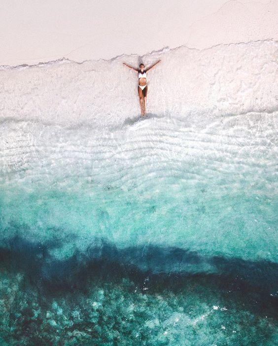 Tief blaues Meer.