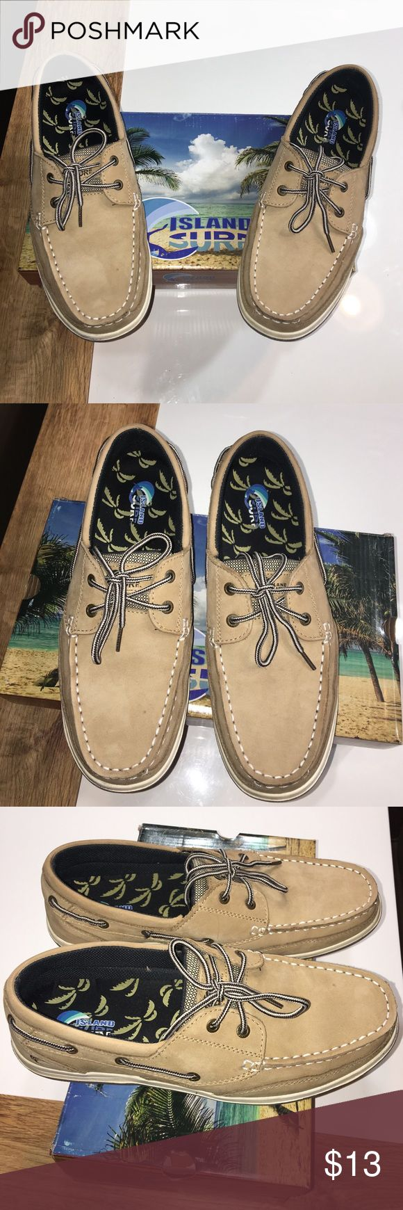 Maui Island leather boat shoes sz 10.5 Good Condition light wear Maui Island leather boat shoes sz 10.5 similar to Sperry Top Sider final price listed please no offers Maui Island  Shoes Boat Shoes