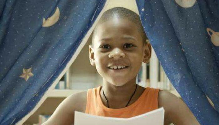 MEEST INSPIREREND VERHAAL OOIT❗  Dit is één van de meest #inspirerende verhalen die je ooit zal horen, en ook nog zo dicht bij huis…   Gisteren heb ik kennis mogen maken met Guillaume Martiszoon. Een 10 jaar oude jongen die vloeiend Papiaments, Nederlands, Spaans en Engels spreekt. Hij is inmiddels #schrijver 📖, #ondernemer 💼 en #spreker 🎤!  Er is ook een korte documentaire 🎥 van hem gemaakt door NPO Mensjesrechten uit Nederland. Klik op onderstaande link en bekijk de hele documentaire…